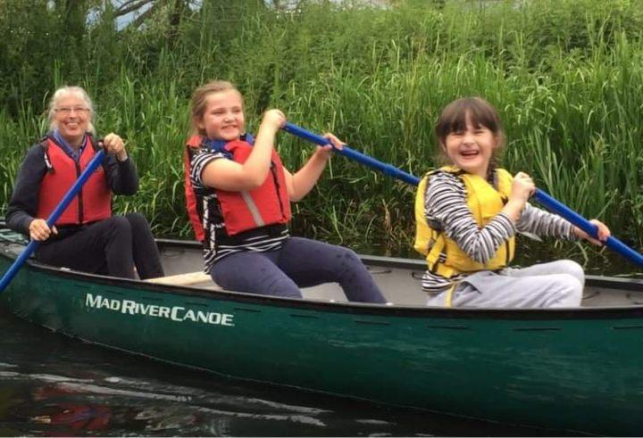 2nd Ellesmere Brownies Canoeing